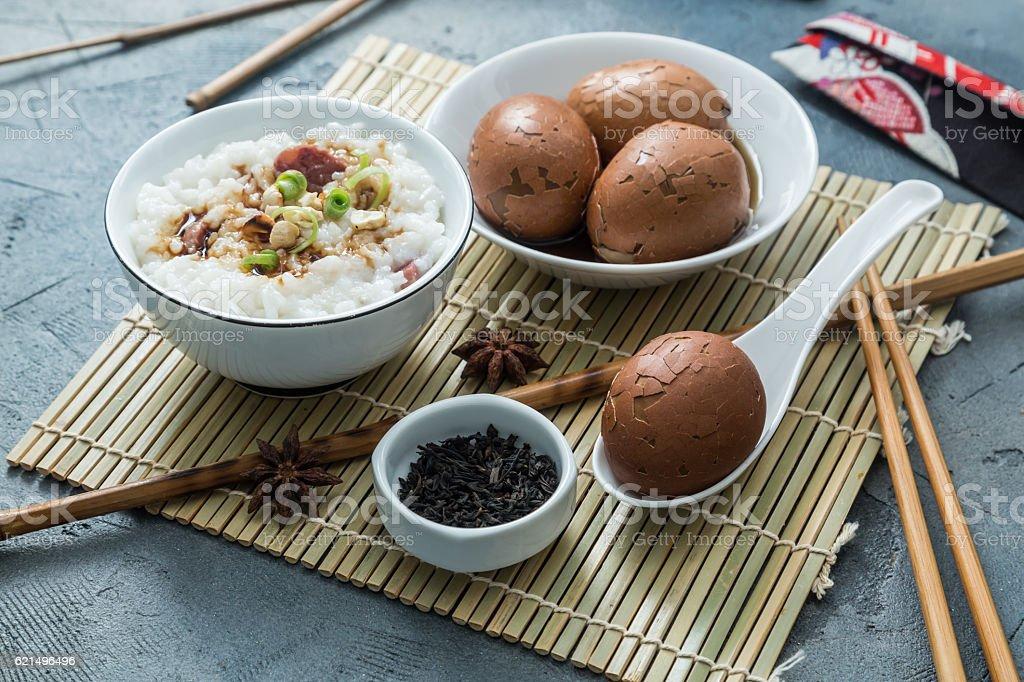 Tea eggs with rice porrige Lizenzfreies stock-foto