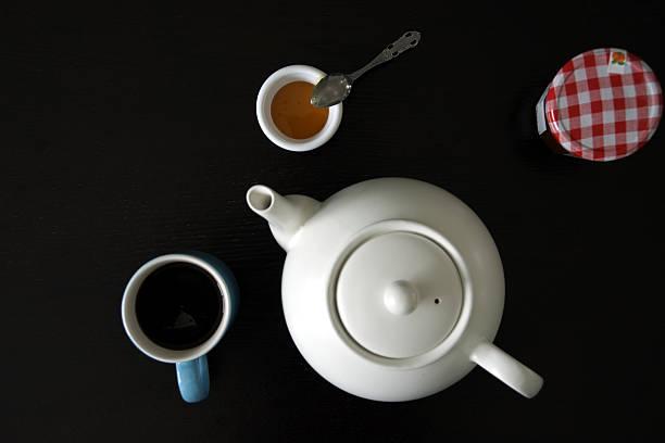 Tee mit Honig und Süßigkeiten – Foto