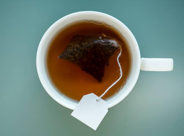 Tee in eine Tasse – Foto