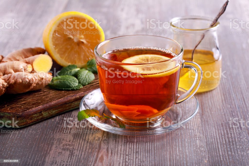 Tea with ginger root - foto stock