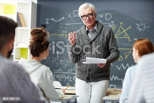 istock Teacher at work 954188124