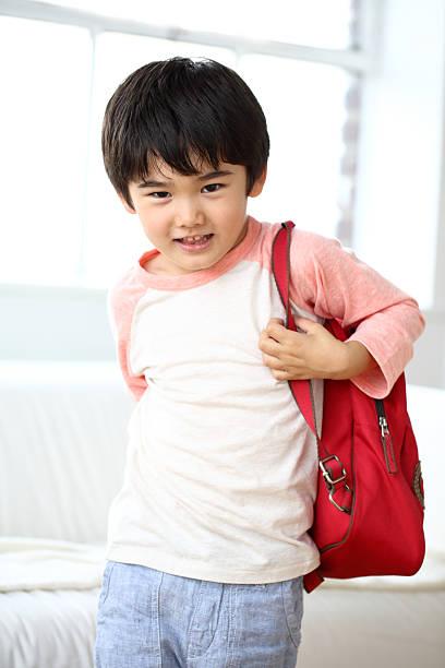 unterricht kinder verantwortung - kleinkind busy bags stock-fotos und bilder