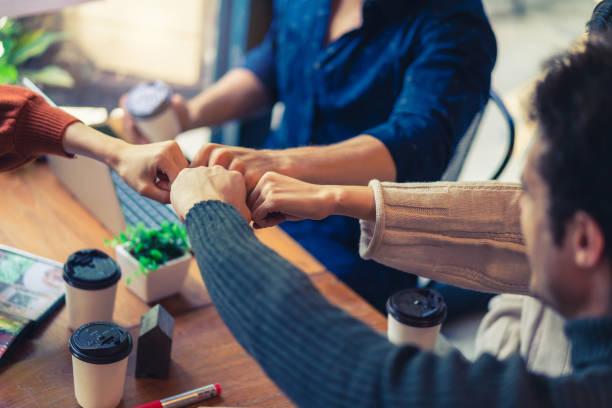 Team-Relief Fäuste Hände von Erfolg Startup Unternehmen Teamwork, Kollege Zusammenarbeit Teamwork Konzept – Foto