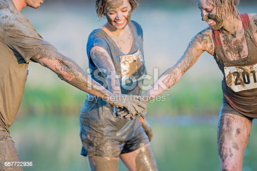 687723318istockphoto Team Cheer 687722936