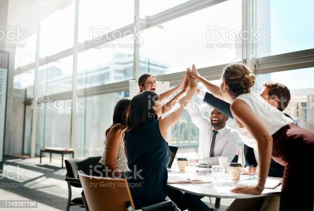 Teamwork Always Get It Done - Fotografias de stock e mais imagens de Adulto