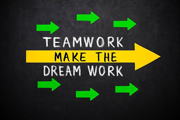 teamarbeit macht den traum arbeiten - traum team stock-fotos und bilder