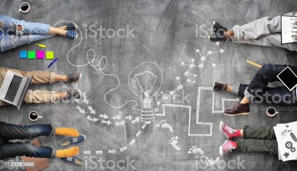 Teamwork Van Het Personeel Creatief Werk Stockfoto en meer beelden van Bedrijfsleven