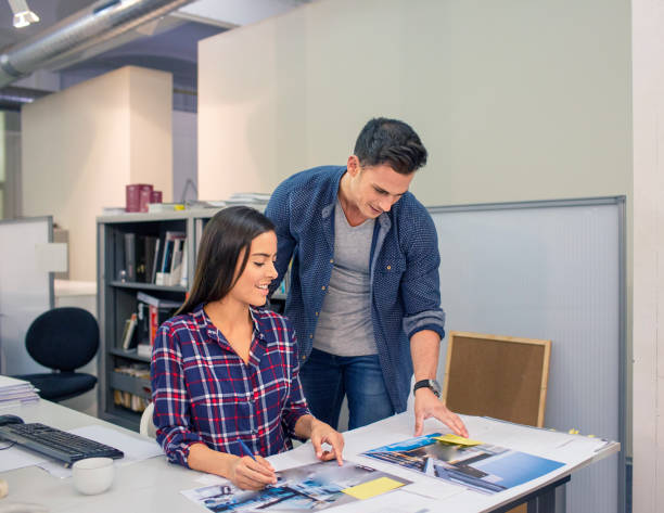 teamwork (teamarbeit)  - tastatur bilder stock-fotos und bilder