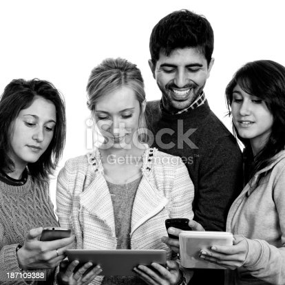 istock Teamwork W Tablet.Black And White. 187109388