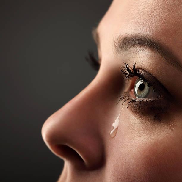 schönheit mädchen weinen. - träne stock-fotos und bilder