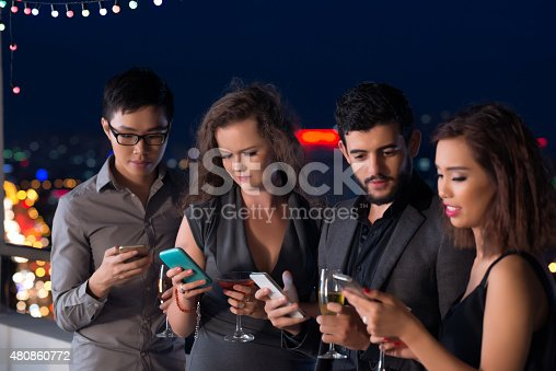 istock Technology addiction 480860772