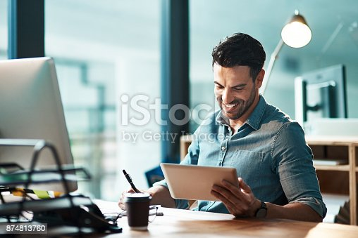 874813790 istock photo Technology helps him perform his best 874813760