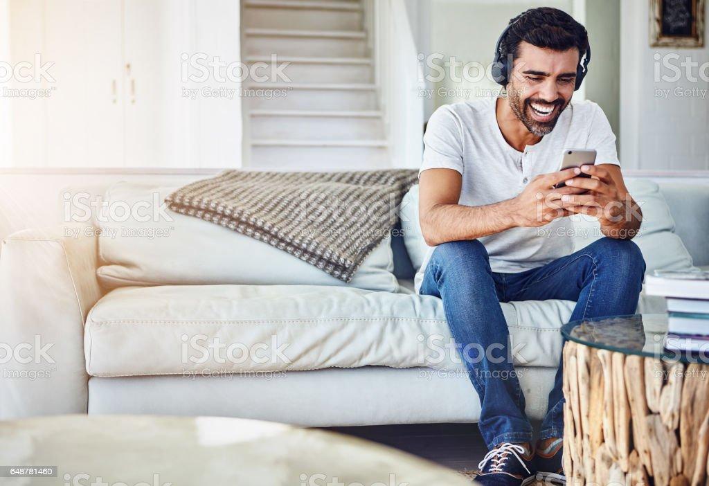 Technologie, macht es einfacher, die Lacher zu teilen – Foto