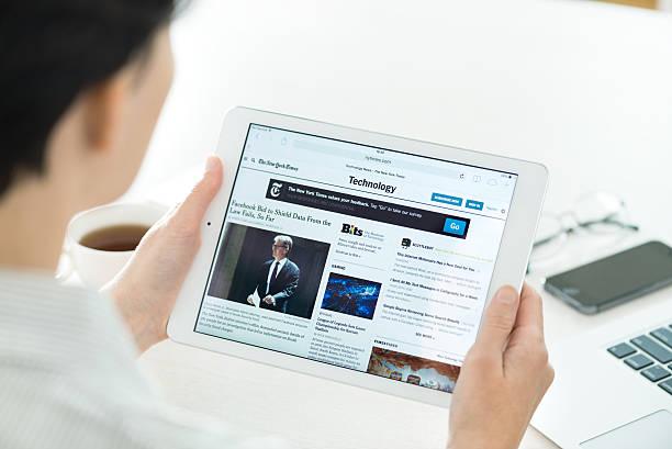 technologia wiadomości na temat apple ipad powietrza - ipad zdjęcia i obrazy z banku zdjęć