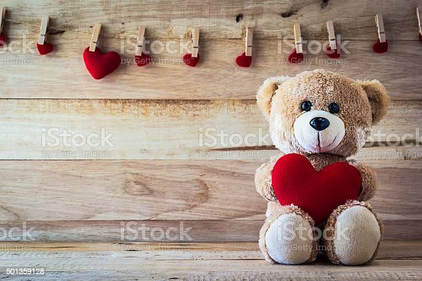 Teddy bear holding a heartshaped pillow picture id501359128?b=1&k=6&m=501359128&s=612x612&h=kwqic3cmkfmjgysrkxqb q0dq czxveahnwv2884vbk=