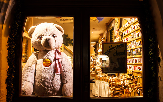 Teddy Bear Rothenburg placed behind the door after the shop closed