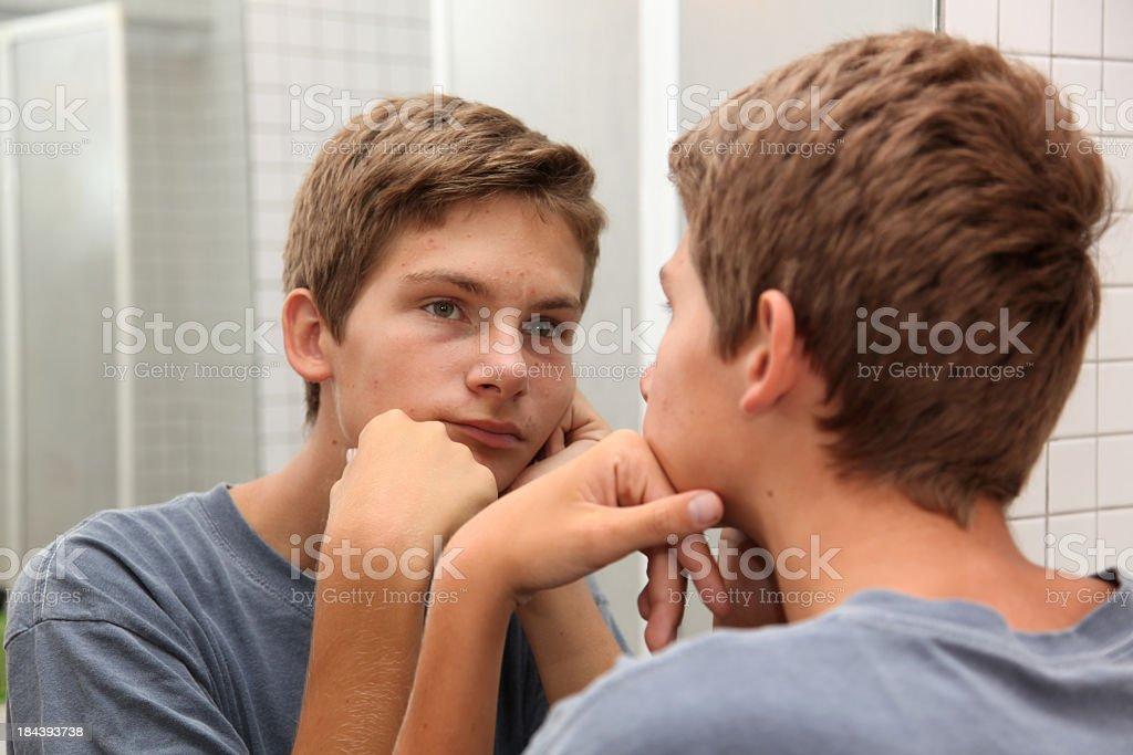 Gelangweilt Männlicher Teenager – Foto