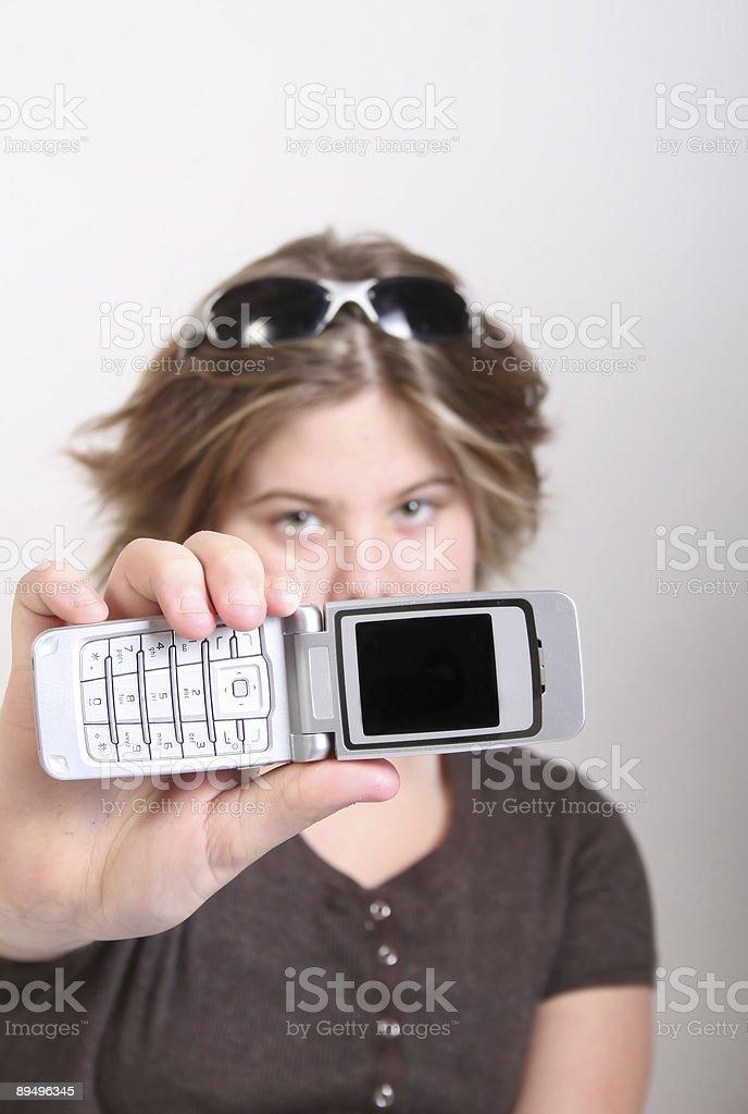 teen ragazza con cellulare foto stock royalty-free