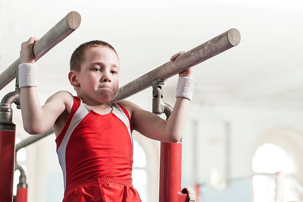 ティーンのスポーツホール - 体操競技 ストックフォトと画像