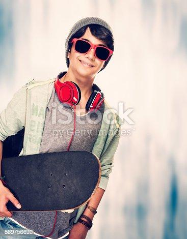 istock Teen skateboarder 869756692