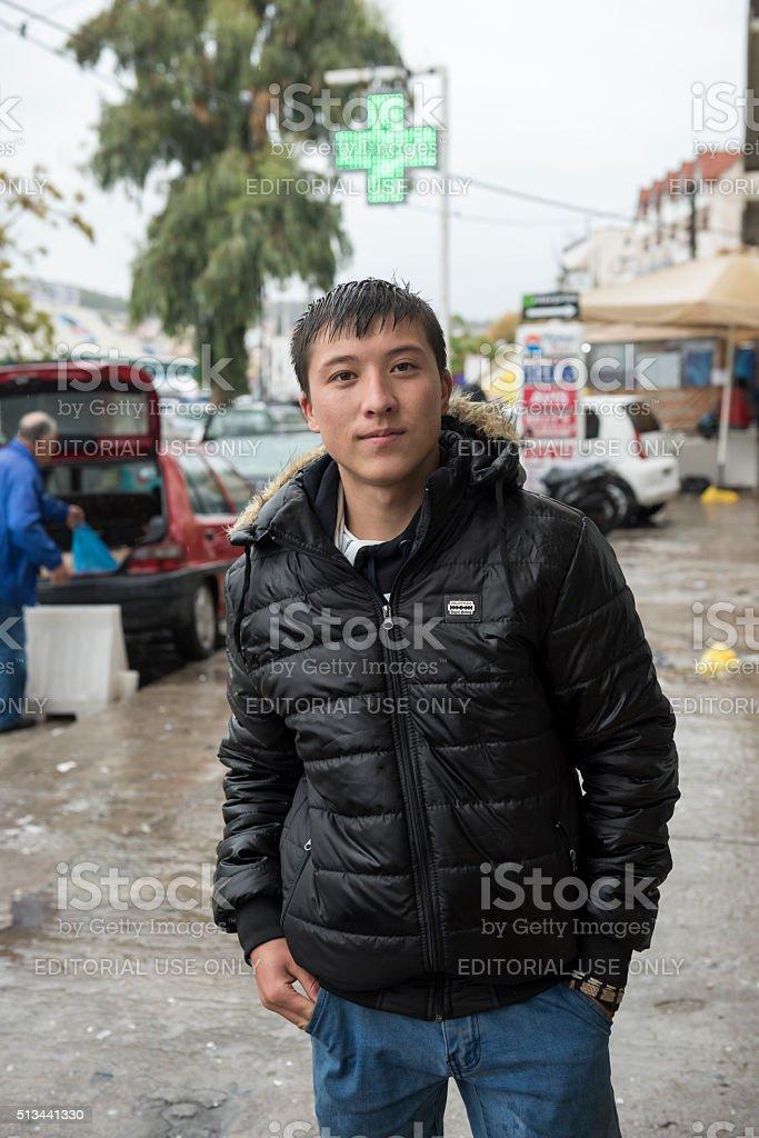 teenage-afghan-migrant-traveling-alone-p