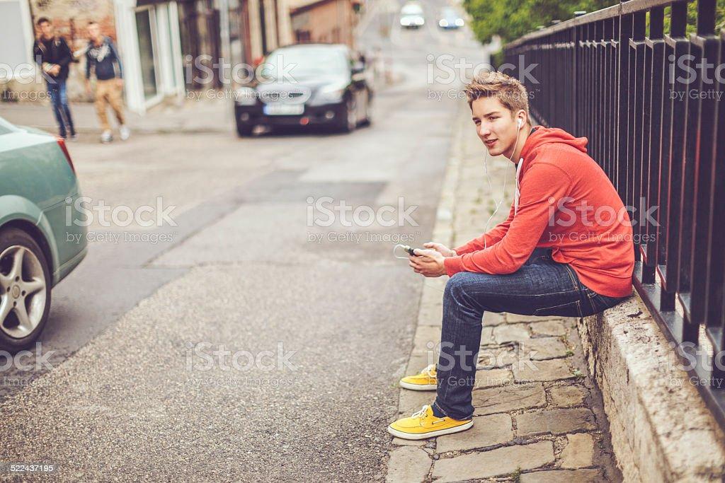 Teenager boy in der Stadt - Lizenzfrei 16-17 Jahre Stock-Foto