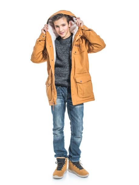 Teenager in Winterkleidung – Foto