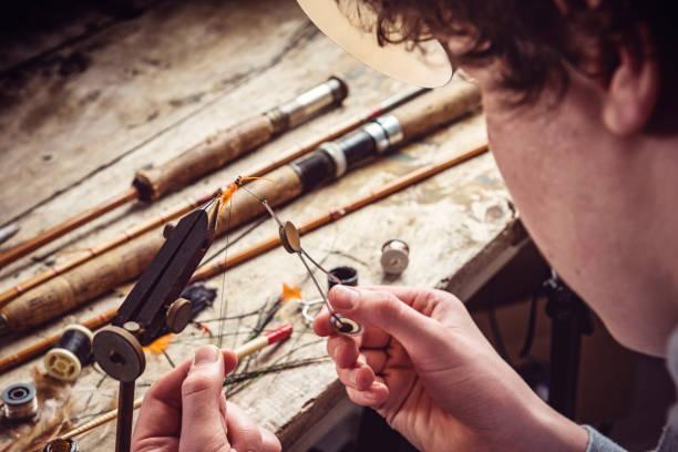 teenager lernen zu fliegen - angeln dänemark stock-fotos und bilder