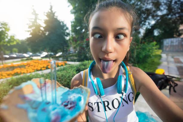 Teenager-Mädchen, die selfie – Foto
