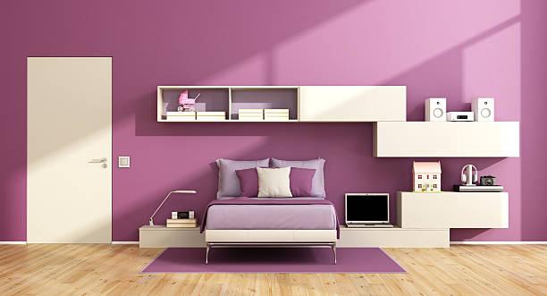 teenager-mädchen-zimmer - lila teenschlafzimmer stock-fotos und bilder