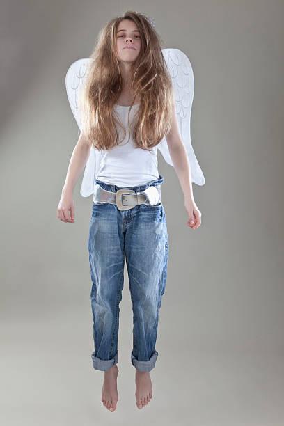 Teenager-Mädchen mit Flügeln, Porträt – Foto