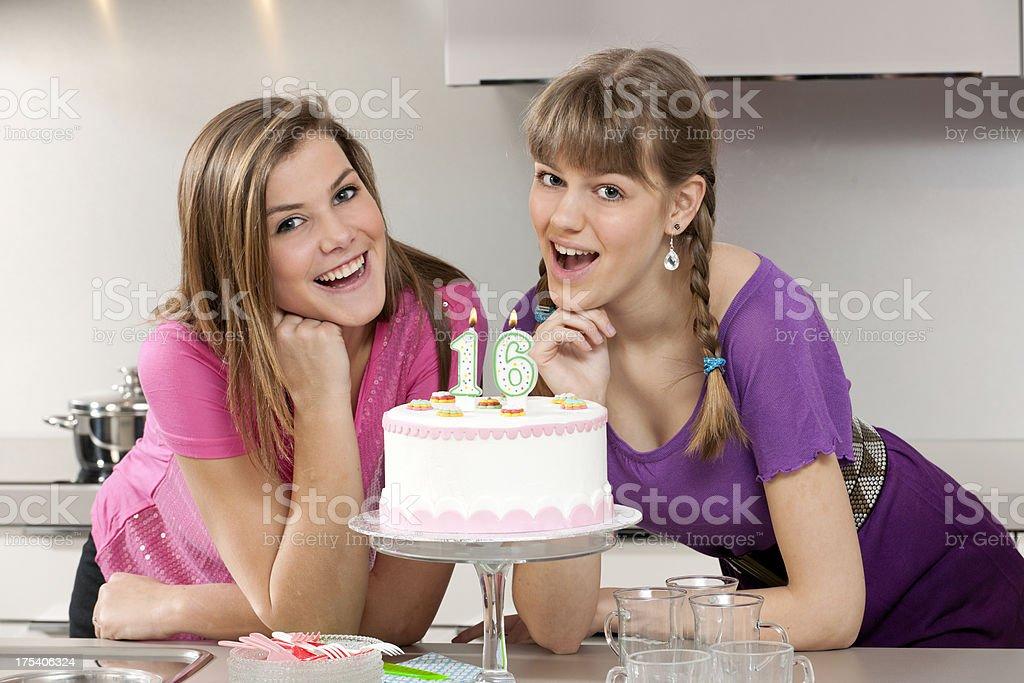 Adolescentes Meninas comemorar Aniversário de 16 - foto de acervo