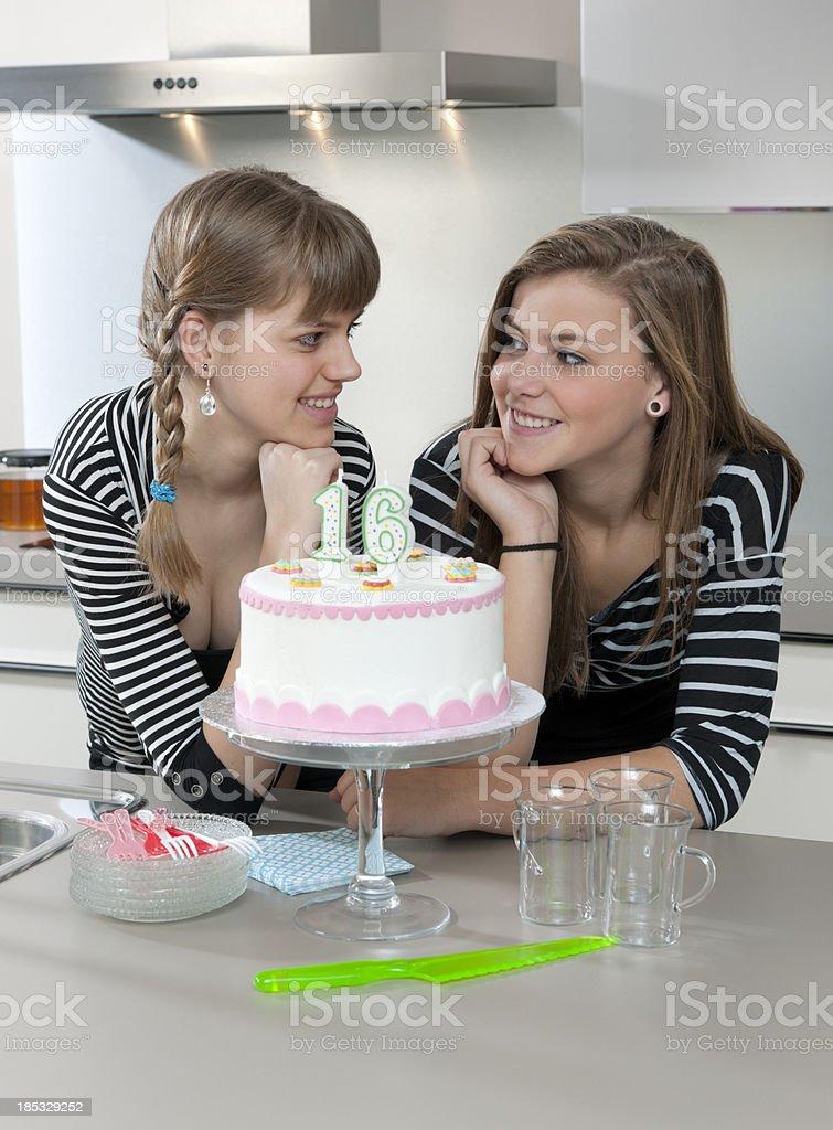 Teenager Madchen Feiern Sie Den 16 Geburtstag Stock Fotografie Und