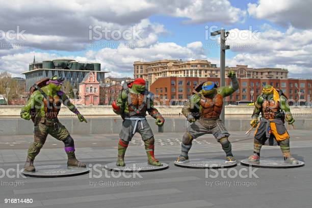 Teenage mutant ninja turtles figures in the park muzeon in moscow picture id916814480?b=1&k=6&m=916814480&s=612x612&h=qe9ppceynz2hwx7 bhf2w8cuyqktb 5qa5le8mnfpzk=