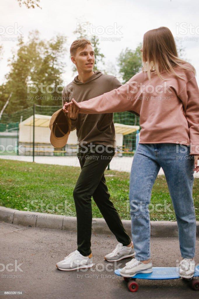 Lazer amor adolescente data relacionamento romance - foto de acervo