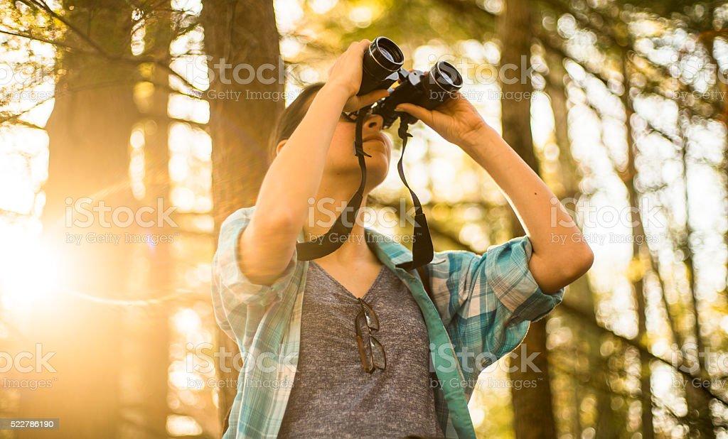 Teenager-Mädchen Entdecken Sie Natur in Poconos, Pennsylvania – Foto