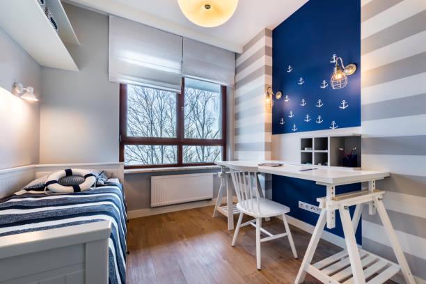 teenager-zimmer - nautisches schlafzimmer stock-fotos und bilder