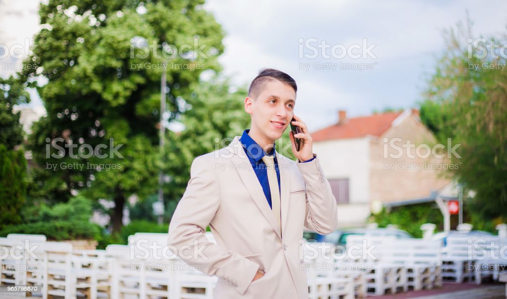 teenager talking on mobile phone. - Royalty-free 18-19 Years Stock Photo