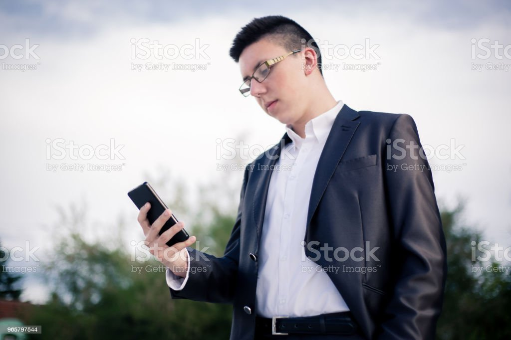 teenager using mobile phone. - Royalty-free 18-19 Anos Foto de stock