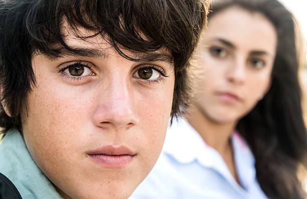 adolescenti - compagni scuola foto e immagini stock