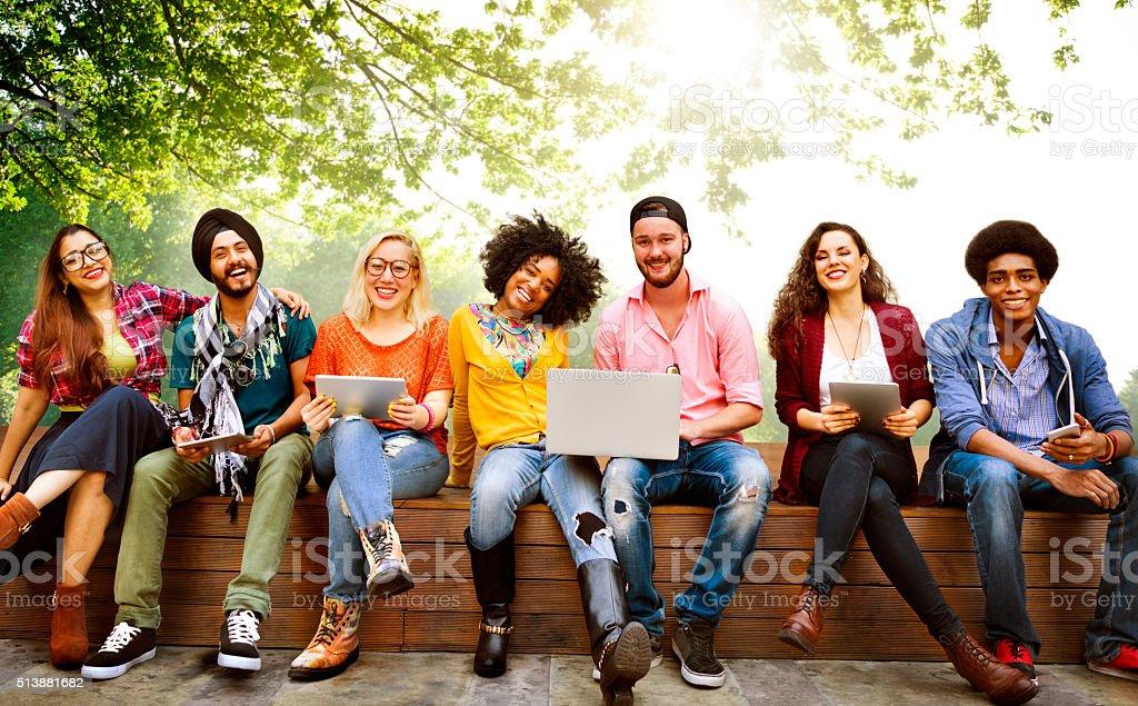 Adolescentes juntos Alegre concepto de equipo joven - foto de stock