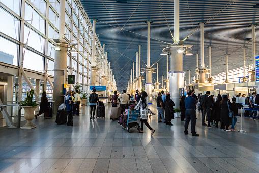 エマーム ホメイニー国際空港建築 - イランのストックフォトや画像を ...