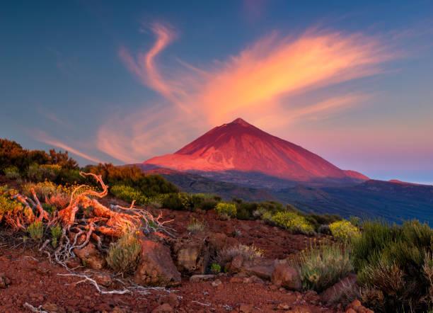 Teide volcano in Tenerife in the light of the rising sun