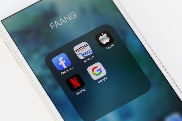 tel aviv, israel - may 28 2020 : faang big tech icons (facebook, amazon, apple, netflix & google). faang is an acronym of the 5 strong stocks in the nasdaq technology stocks index. - big tech foto e immagini stock