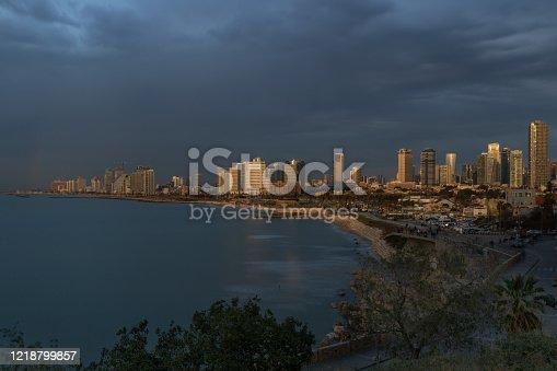 Tel Aviv bay before the storm