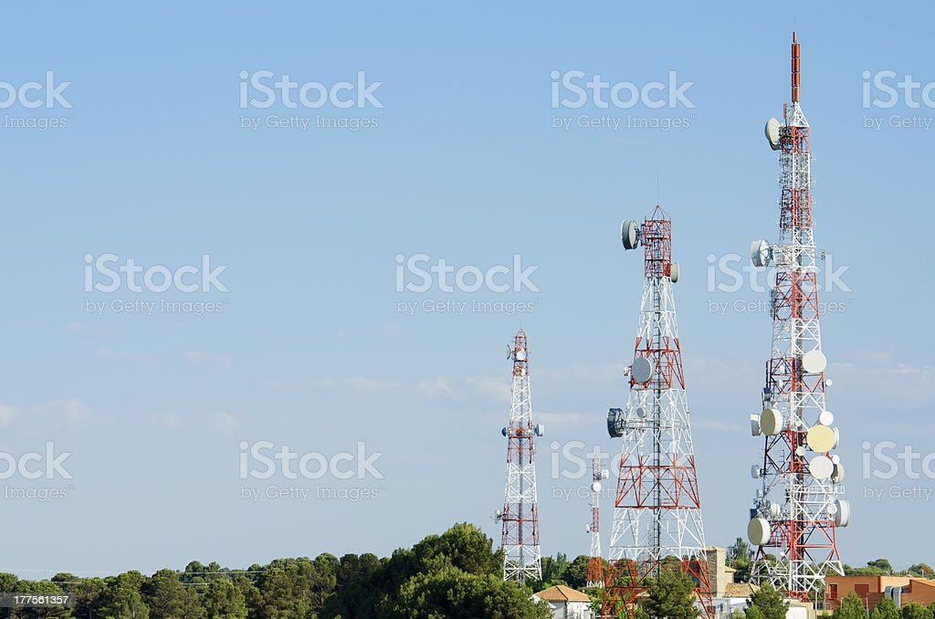 Télécommunications towers - Photo