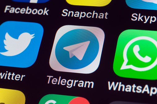 Telegram, Twitter, Whatsapp and other Apps on iPhone screen