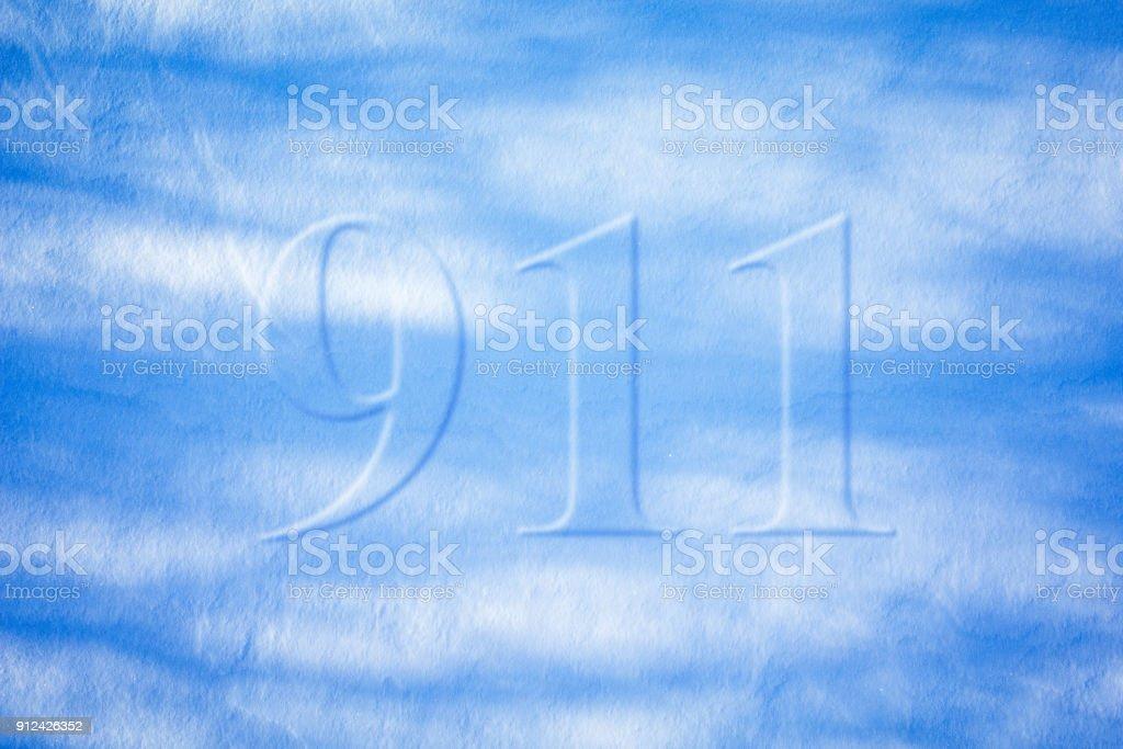 Número De Teléfono De Servicios De Emergencia En La Pared