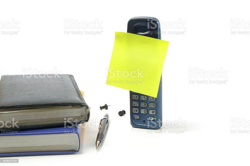 Téléphone avec vide feuillet autoadhésif photo libre de droits