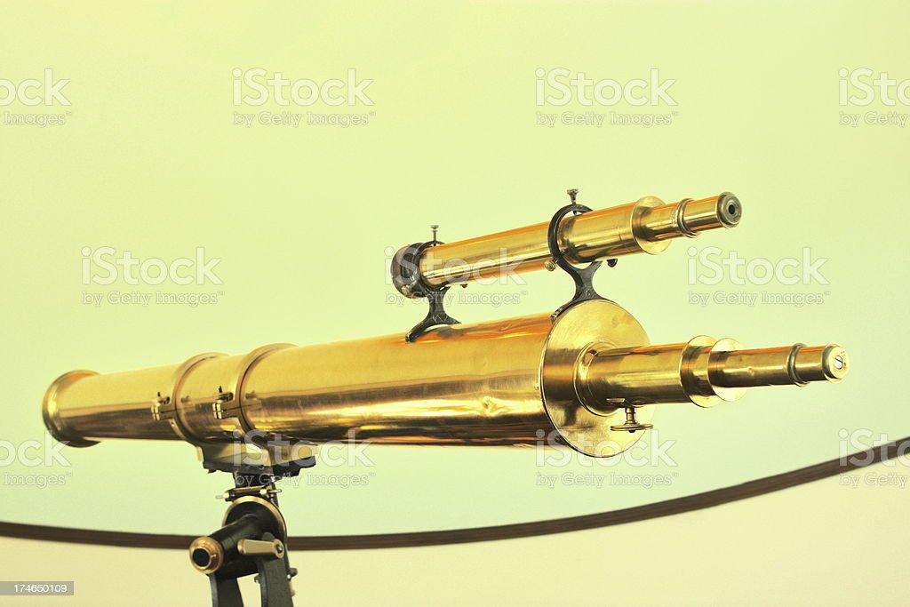 \'Telescope vintage brass refracting optical astronomy equipment in...